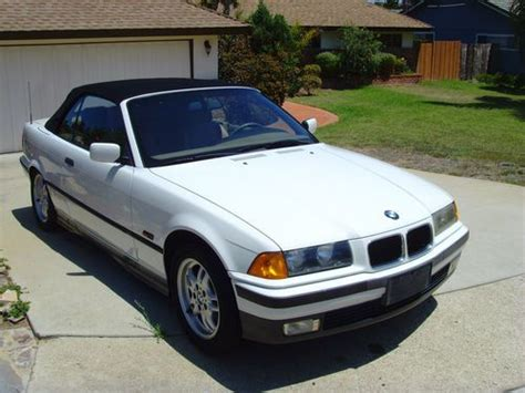Buy Used 1995 Bmw 325i Base Convertible 2door 25l In
