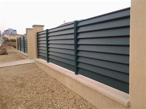 Fabricant et installation de panneaux brise-vue en bois atypique aluminium vu00e9nitien en Alsace ...