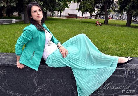 ukrainian mature romantic woman irina from vinnytsia 22 yo hair color black