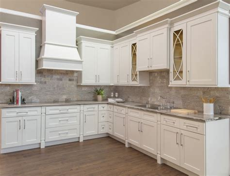 shaker white kitchen cabinets shaker white photo gallery brokering solutions 5171