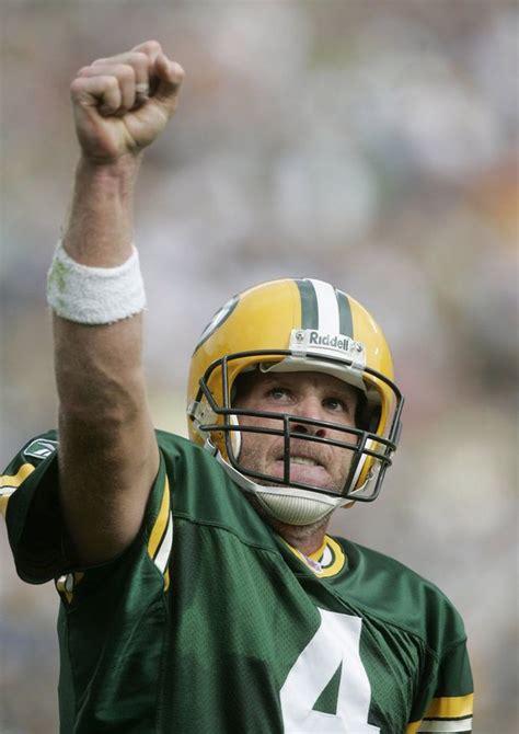 Green Bay Packers Will Eventually Retire Brett Favres No