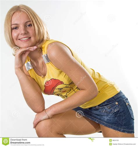 dans les vestiaires des filles fille dans la mini jupe photos stock image 9824103