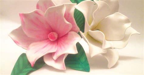 Magnolias en goma eva realizadas sin moldes Flores Goma