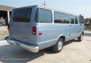 1992 Dodge Ram Wagon B350 Maxi Van
