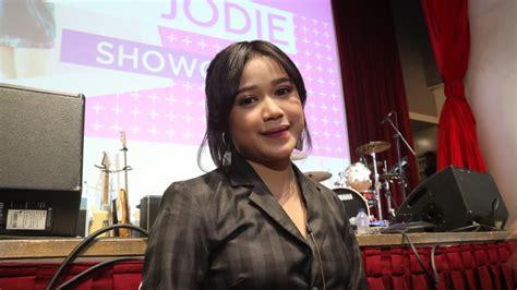 Gelar Showcase Perdana, Brisia Jodie Uji Kemampuan Nyinden