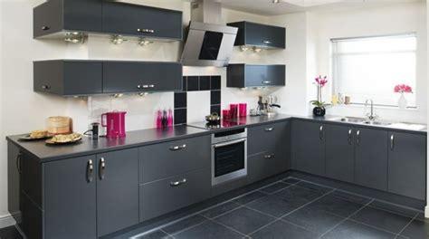 cuisine blanche et mur gris cuisine blanche et mur gris cgrio