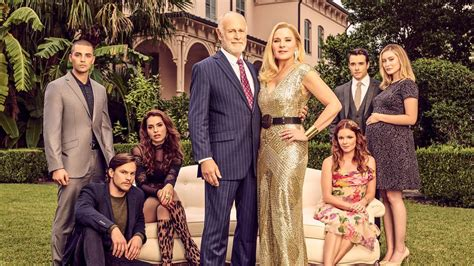 'Filthy Rich': Kim Cattrall gets candid on her character ...