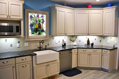 Building Kitchen Cupboards by Tips For Choosing The Kitchen Cabinets Carson