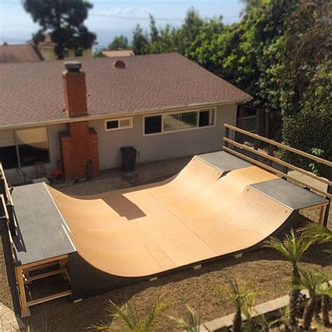 Building A Halfpipe In Your Backyard by Skate Home Marzo 2015