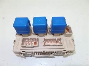 Used Nissan X-trail  T30  2 2 Dci 16v 4x2 Fuse Box