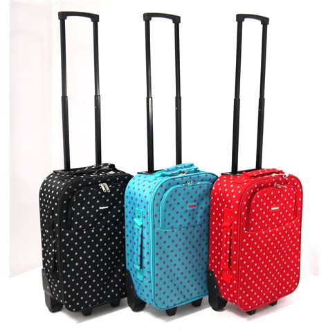 cabin bags on wheels 53 small luggage with wheels it luggage megalite 21 inch