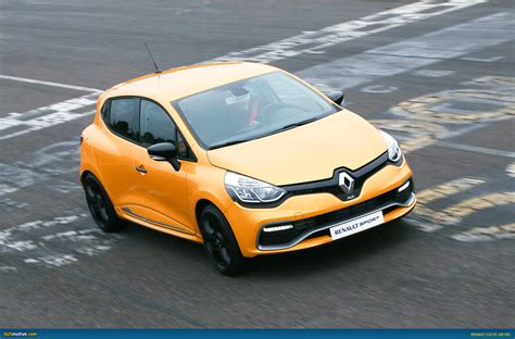 Ausmotivecom Renault Clio Rs 200 Edc Here In Time For