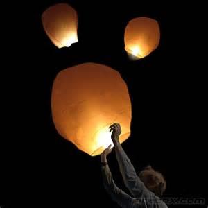 lanterne volante mariage air balloons on sky lantern thailand and lanterns