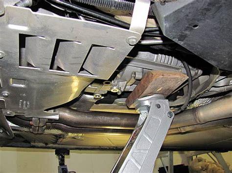 Service Manual [2008 Bmw Z4 M Transmission Mount Removal
