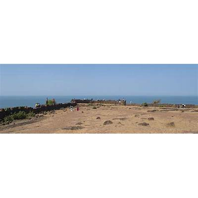 Chapora Fort - Wikipedia