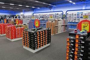 Magasin Informatique Plan De Campagne : intersport plan de campagne univers chaussures sport loisirs ~ Dailycaller-alerts.com Idées de Décoration