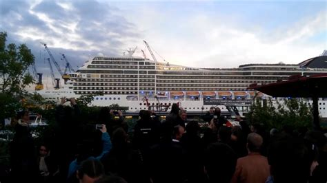 Cruise Ship Playing Seven Nation Army [HD] [NEW] - YouTube