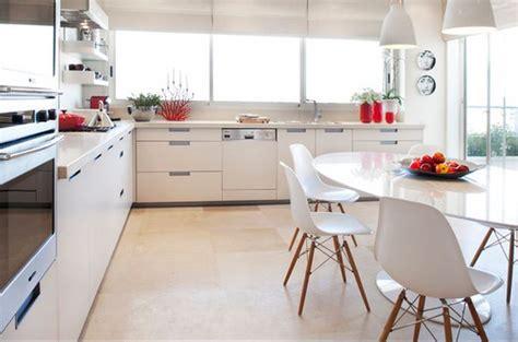 tables et chaises de cuisine chaise moderne cuisine le monde de léa