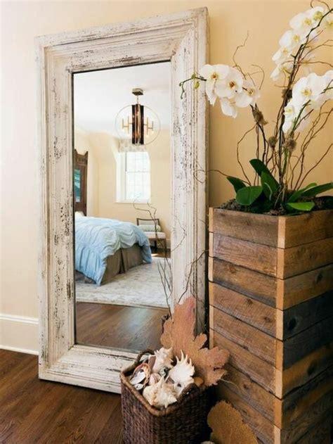 miroir chambre a coucher le miroir mural grande taille accessoire pratique et