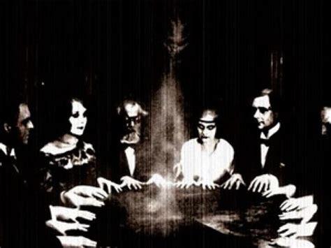 Sedute Spiritiche by El Espiritismo Ante La Ciencia