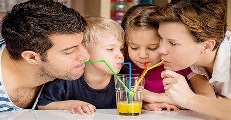 9 โรคติดต่อทางน้ำลาย ติดต่อได้ง่าย ๆ แค่กินน้ำแก้วเดียวกัน - Amarin Baby & Kids