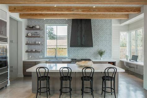 Walker Zanger Duquesa Fatima Mezzanotte Tile Design Ideas
