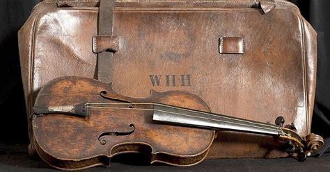 Alat musik arababu berkembang di maluku sejak para pedagang arab datang dan menetap di indonesia, seiring berkembangnya zaman rebab. Alat Musik apa yang Paling Mahal di Dunia? | Belajar Sampai Mati