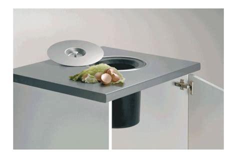 plan amenagement cuisine gratuit poubelle à encastrer dans plan de travail accessoires de