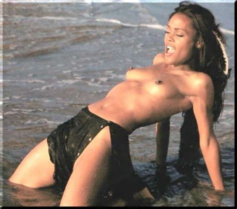 The Hottest Celebrity Boobs Naked And Exposed - Black Celebs Leaked