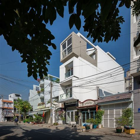Versatile Narrow House in Ho Chi Minh City Beats the Space