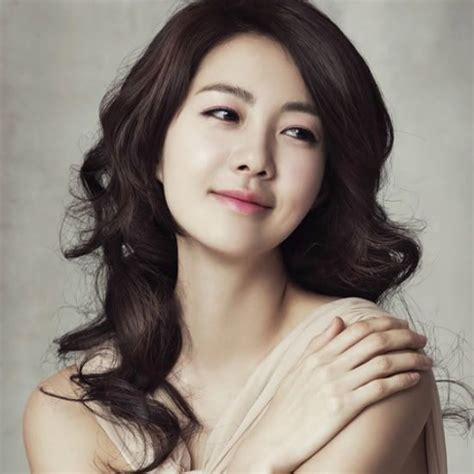 fabulous korean actresses    command