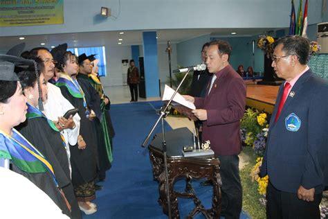 sidang terbuka senat wisuda  angkat sumpah ahli madya