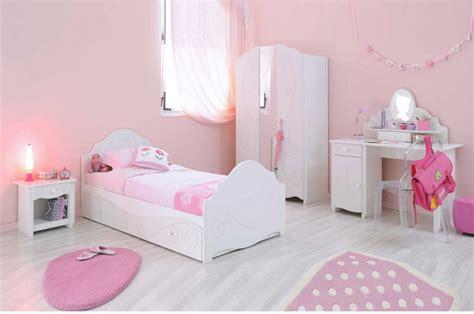 deco chambre fillette magnifique chambre de fillette trendymobilier com