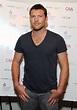 Sam Worthington Stretches For 'Titans' Role, Talks ...