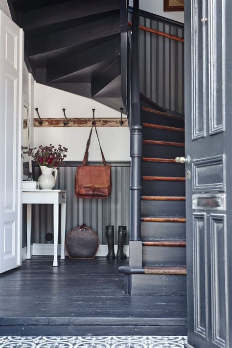 escalier entre cuisine et salon les 25 meilleures idées de la catégorie portes d 39 entrée