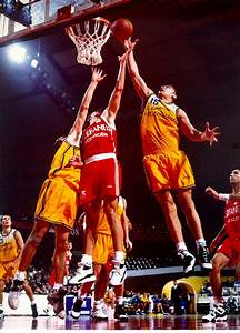 Rebound (basketball) - Wikipedia