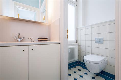 Moderne Sanitäre Anlagen Im Historischen Ambiente Primephoto