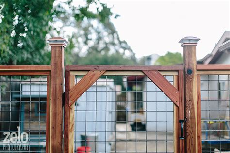 redwood fence  hogwire mesh stuff seth