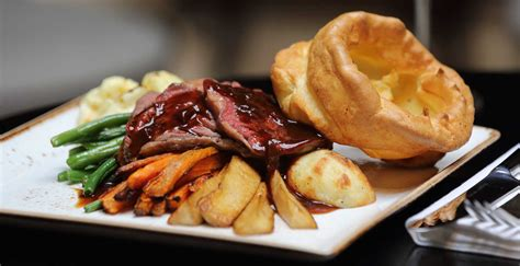 sunday lunch at the st george hotel from 163 14 95 bbx per person