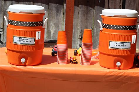 construction cuisine what a ride jadon 39 s construction themed 3rd birthday