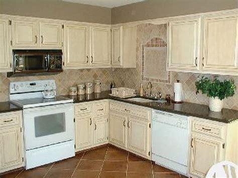 spraying kitchen cabinets best 25 1970s kitchen remodel ideas on 1970s 2434