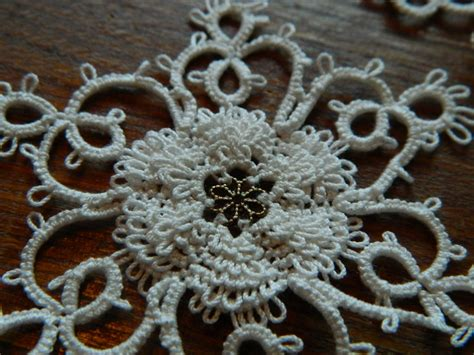 allisons tatted lace frilly rose pattern
