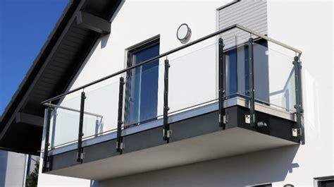 balkongeländer aus glas balkonverglasungen vom profi glaserei wustrow in hannover