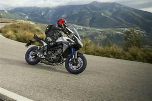 Yamaha Mt 09 Tracer : first ride yamaha mt 09 tracer review visordown ~ Medecine-chirurgie-esthetiques.com Avis de Voitures