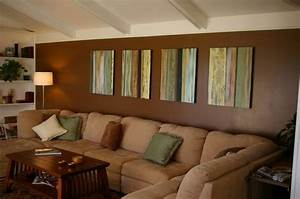 Braune Möbel Wandfarbe : wohnzimmer gestalten dekokissen gem lde an der wand braune wandfarbe wohnzimmer streichen ~ Markanthonyermac.com Haus und Dekorationen