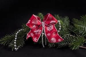 Schleifen Für Weihnachtsbaum : dekoschleife rot silber schneeflocke und perlen christbaumkugeln christbaumschmuck und ~ Whattoseeinmadrid.com Haus und Dekorationen