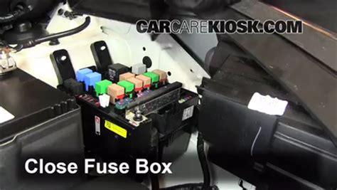 hyundai tucson check engine light reset replace a fuse 2010 2015 hyundai tucson 2012 hyundai