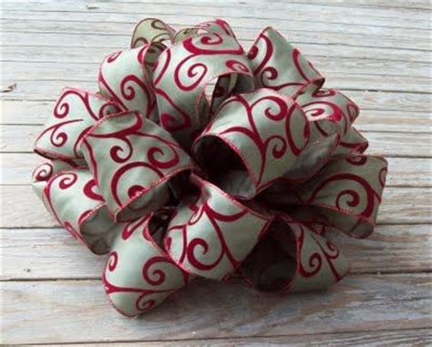 how to make a large tree topper bow 17 best ideas about bows on diy decorations decorations and diy