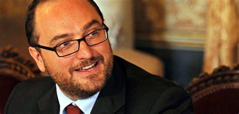 ufficio immigrazione catania quot negati i diritti degli stranieri all ufficio anagrafe di