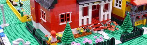 il va construire une maison en lego korben